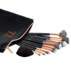 Essential Brush Set & Bag
